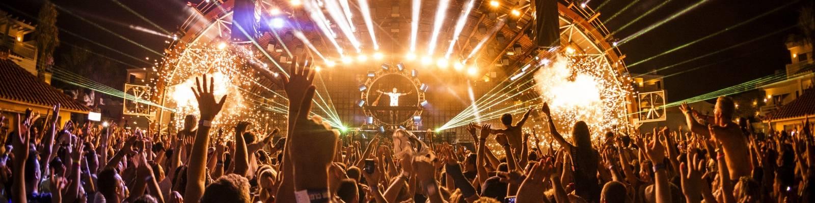 Episode 678 – Tune of the Week is Armin van Buuren