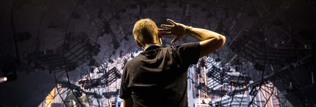 Armin van Buuren's Ultra Miami sets are now available in video!