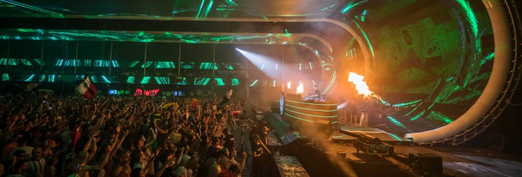 A State Of Trance Episode 893