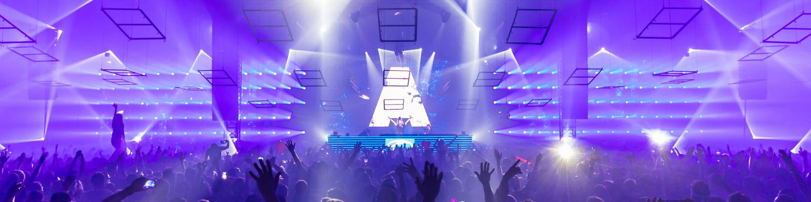 A State Of Trance Episode 906