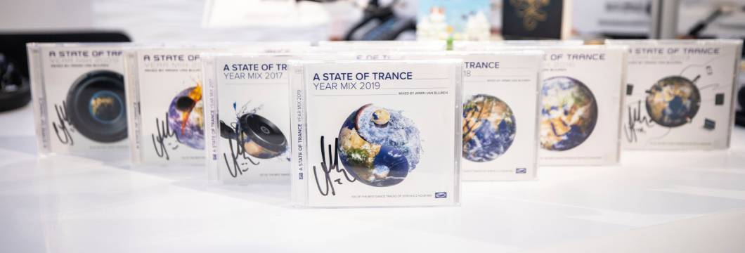 Want to win the ASOT Year Mix albums from 2009 to 2019, signed by Armin himself? Join our latest contest!